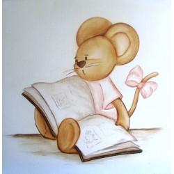 Ratoncita leyendo