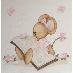 Ratita leyendo con mariposas